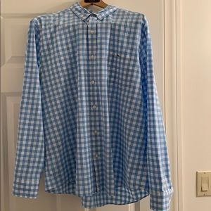 Vineyard Vines Mens button down shirt
